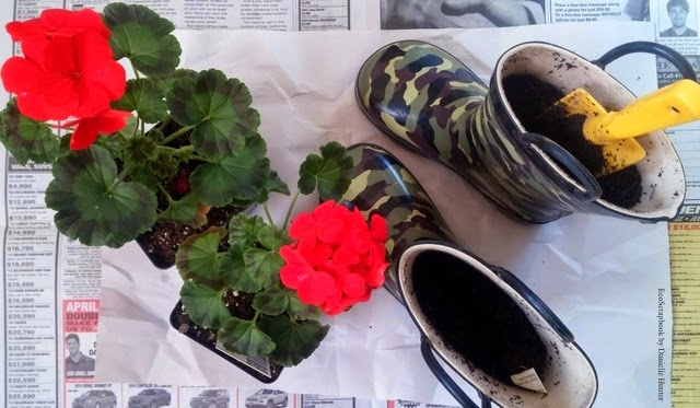 How To Make Rain Boots into Planters