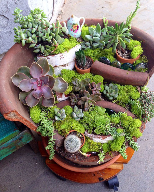 Mini garden teapot