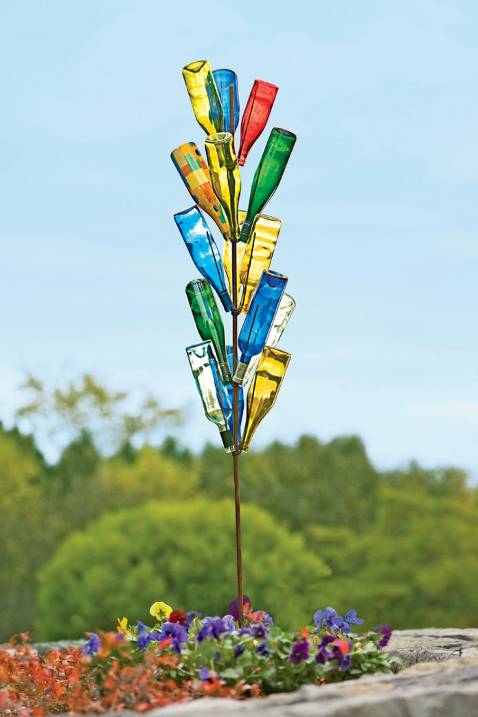 Bottle Tree Art: Hot Garden Trend for Spring