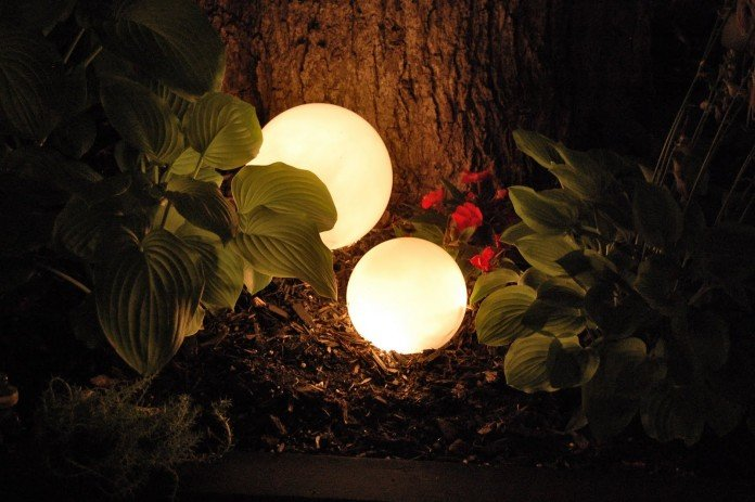 Cool orb lighs for the base of the tree
