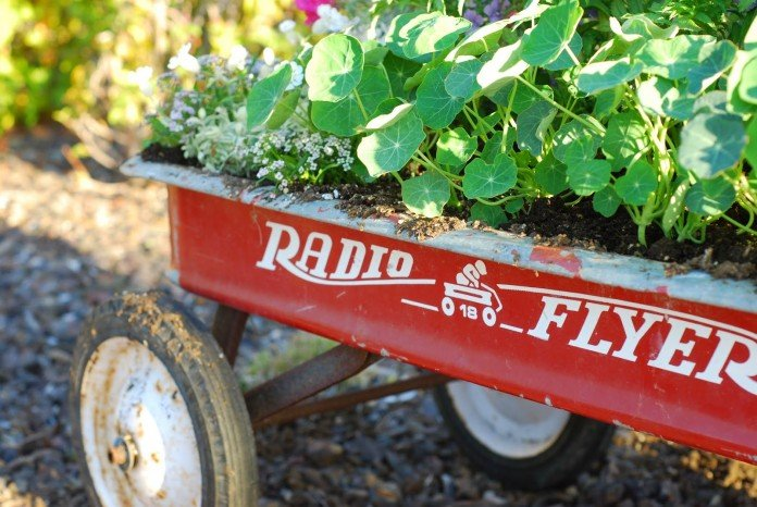 Upcycled flowerpot ideas wagon