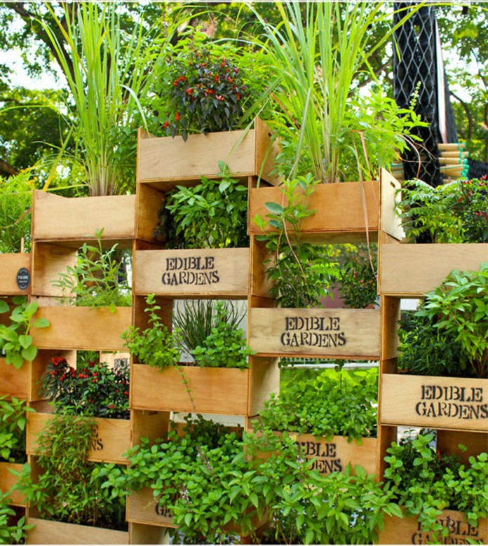 Vertical box containers