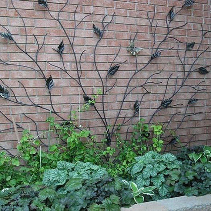 Best trellis designs are done by metal artisans