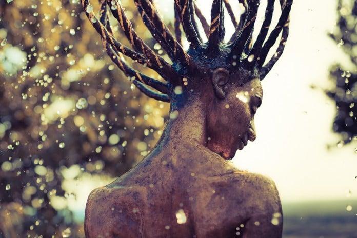 Małgorzata Chodakowska hair art fountain
