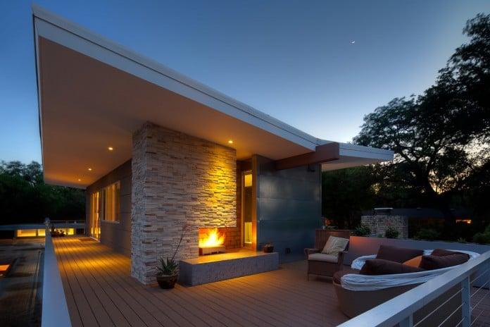 Modern Roof Outdoor Fireplace