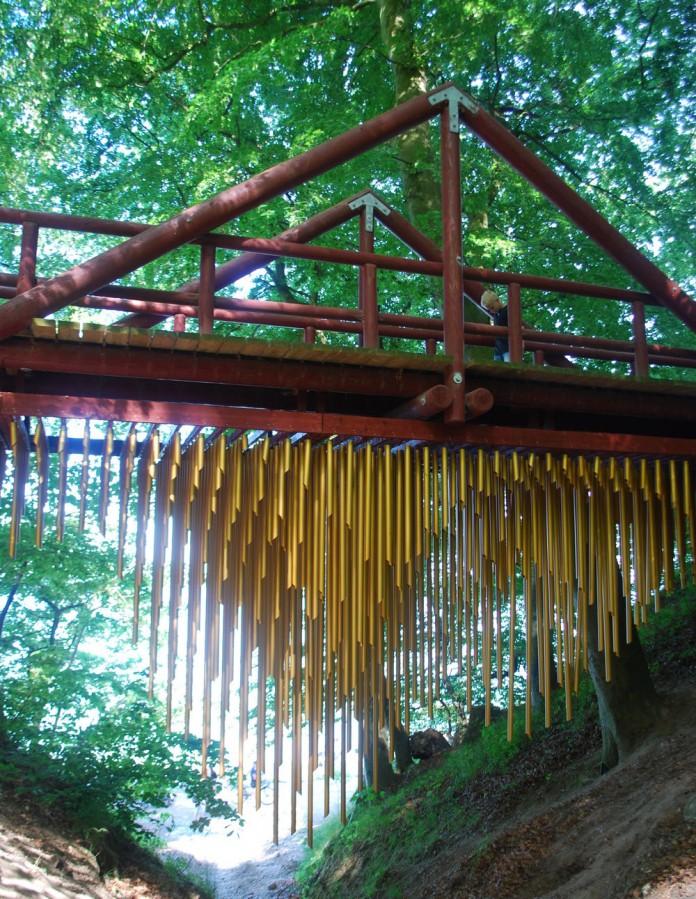 Brass wind chime bridge design