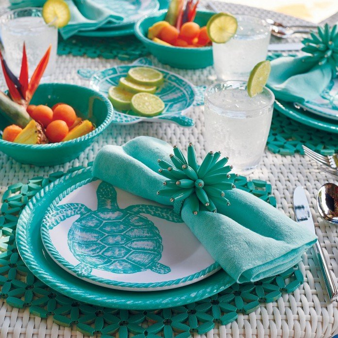 Spring dinnerware for outdoors