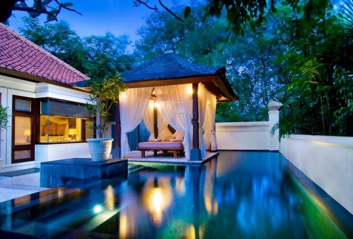 Bali Villa Romantic Daybed