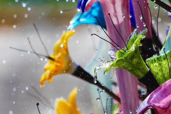 Art Glass Water Fountain Flowers Feature