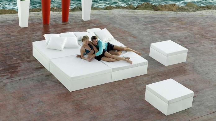 Quadrant daybed is outdoor relaxing