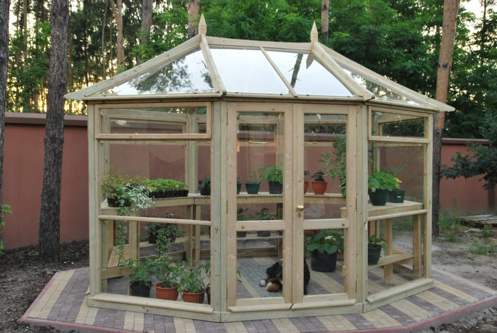 edwardian-octagonal-greenhouse-by-jagram