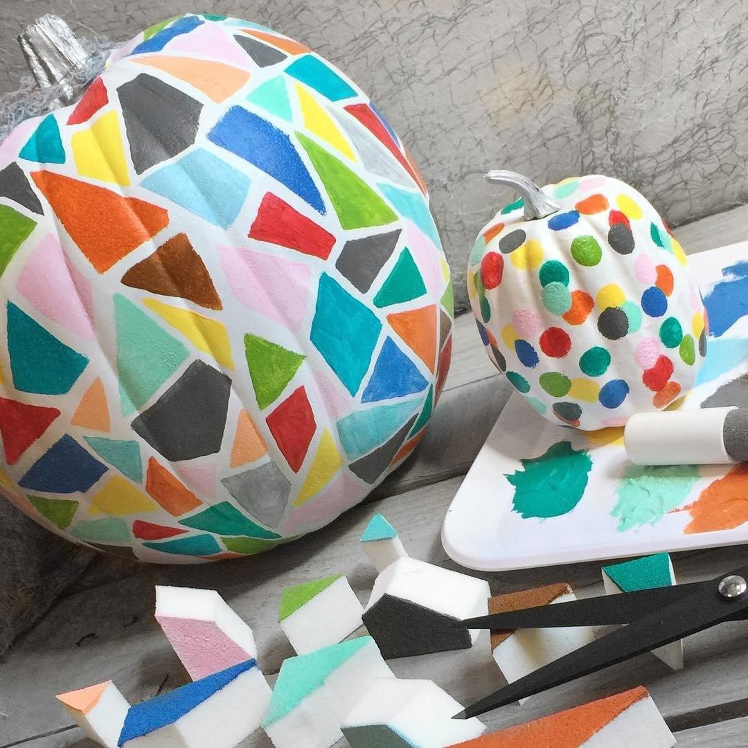 mosaic-sponge-painted-pumpkin