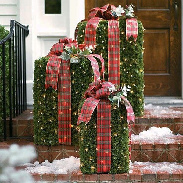 Unique Outdoor Christmas Decorations & Garden Ideas on Unique Yard Decorations id=67201