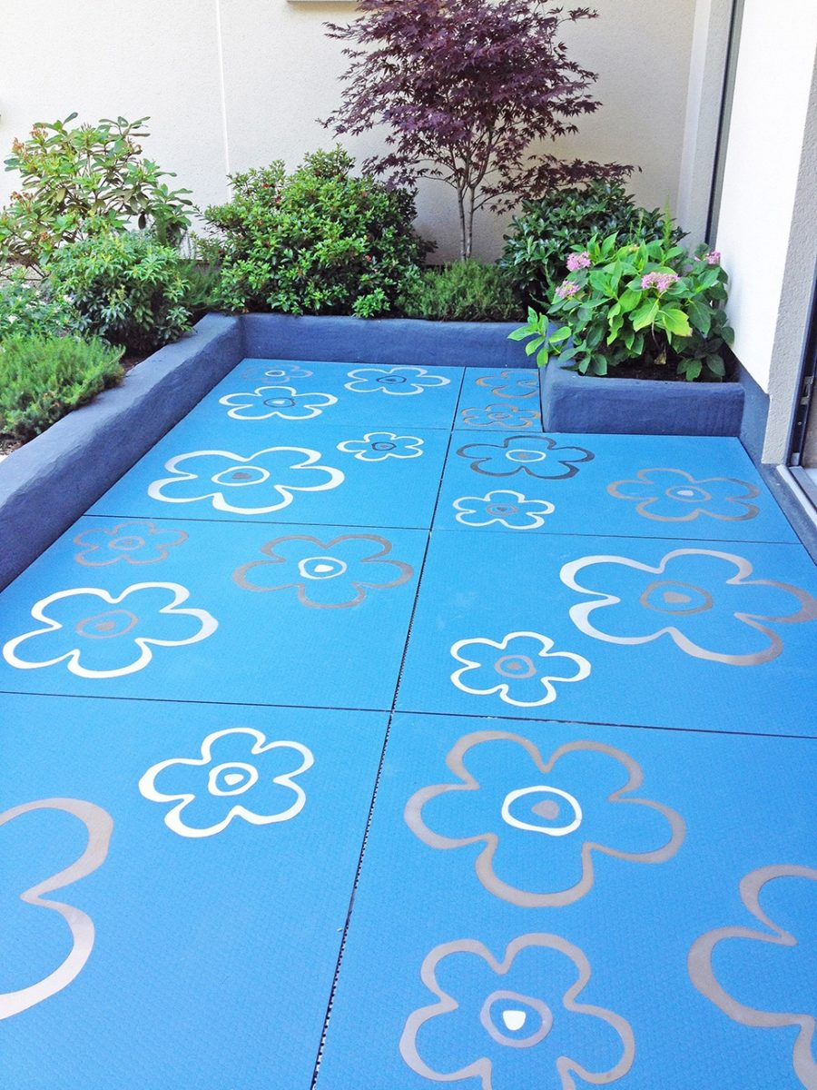 outdoor-tiles-with-metal-inlays-by-altiis