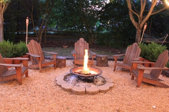 outdoor-fire-pit-seating-ideas-18-1