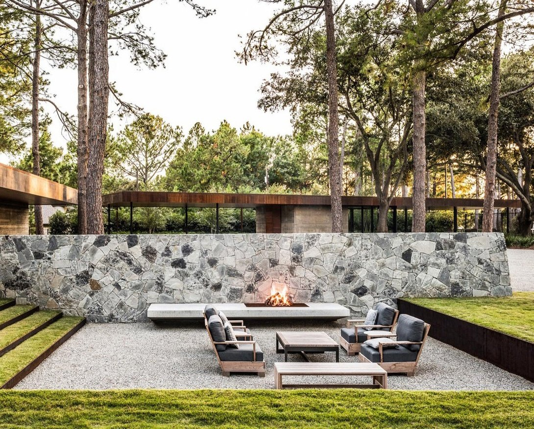 outdoor-fire-pit-seating-ideas-22