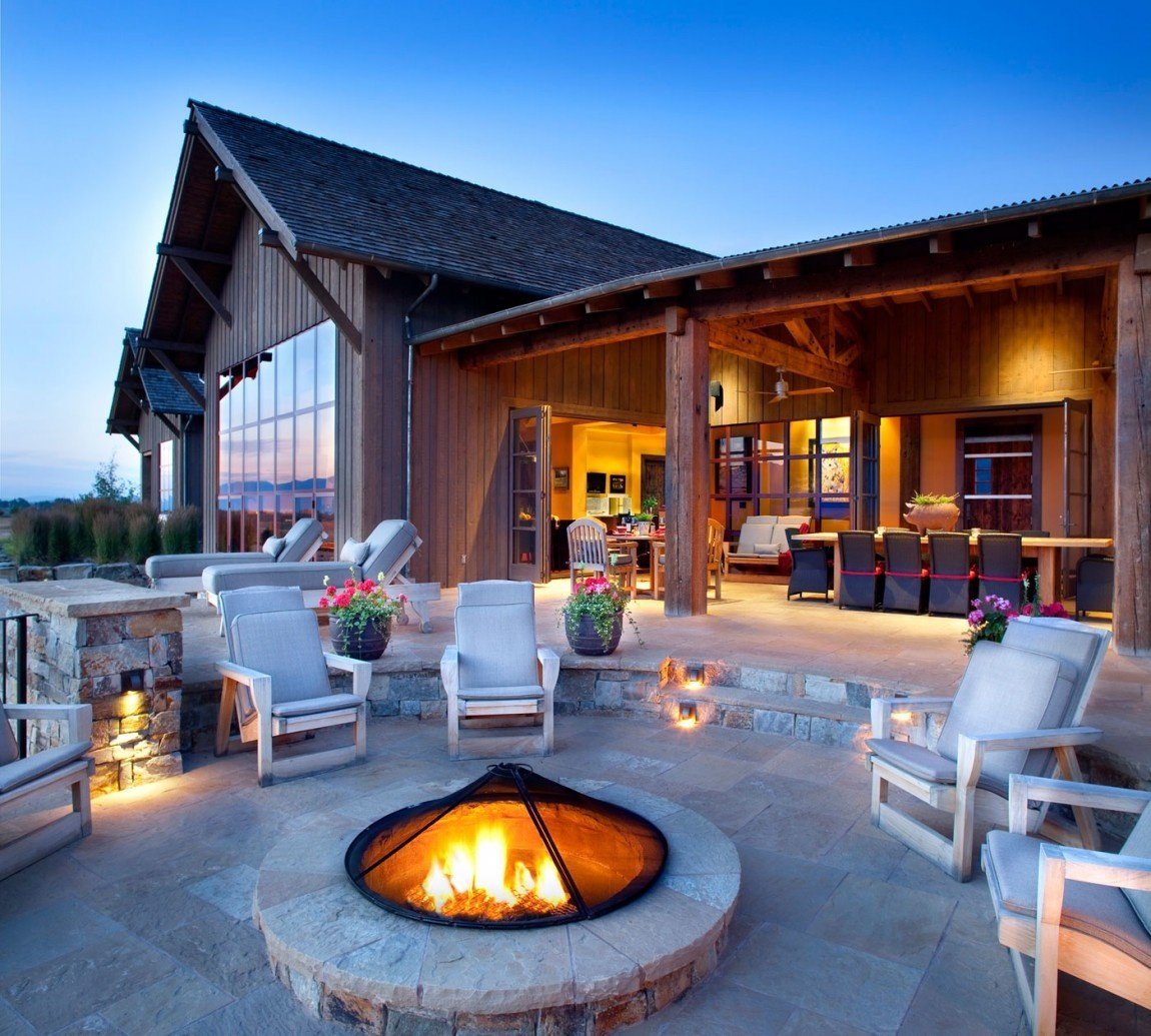 outdoor-fire-pit-seating-ideas-25
