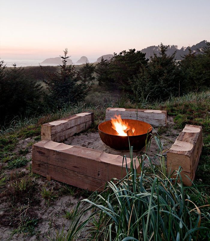 outdoor-fire-pit-seating-ideas-30