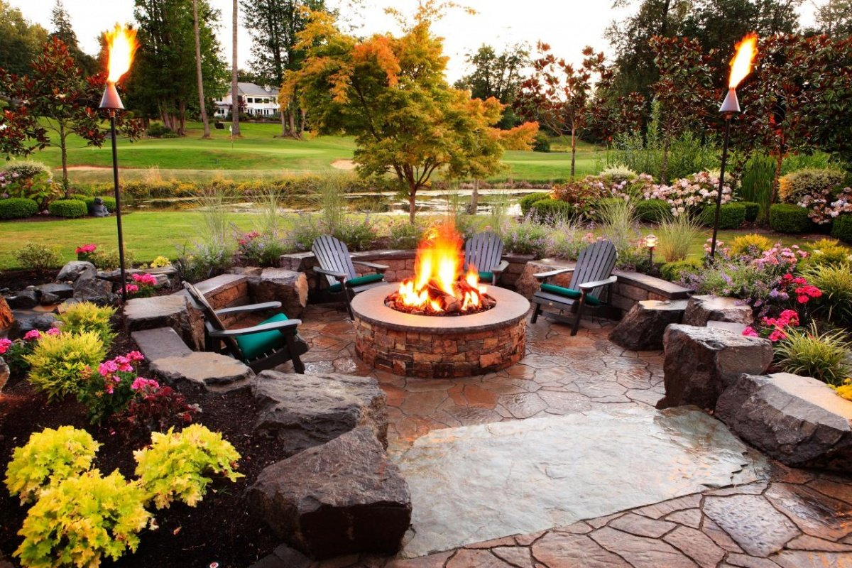 outdoor-fire-pit-seating-ideas-4