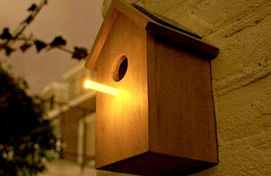 Birdhouse with Solar Perch