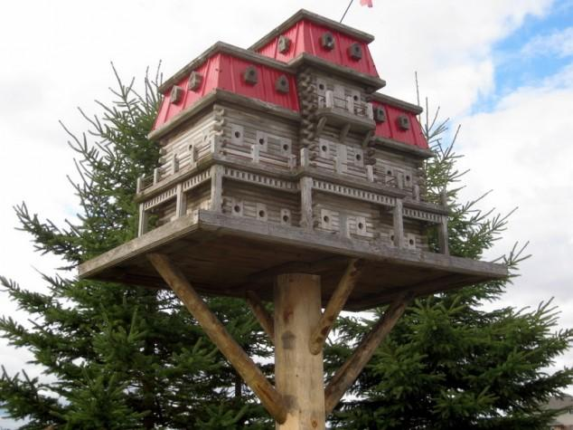 Huge BirdHouse Apartment Building