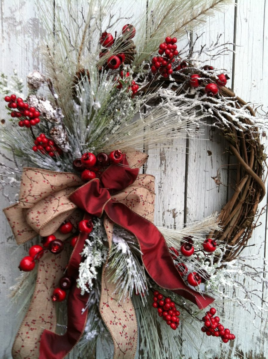 Red & White Country Christmas Door Wreath