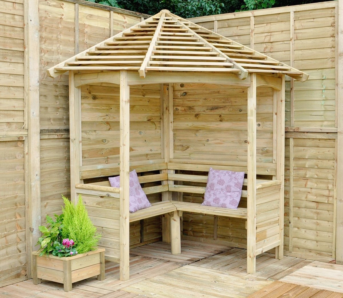 Venetian Style Roof Gazebo Arbor Design for a Corner Location