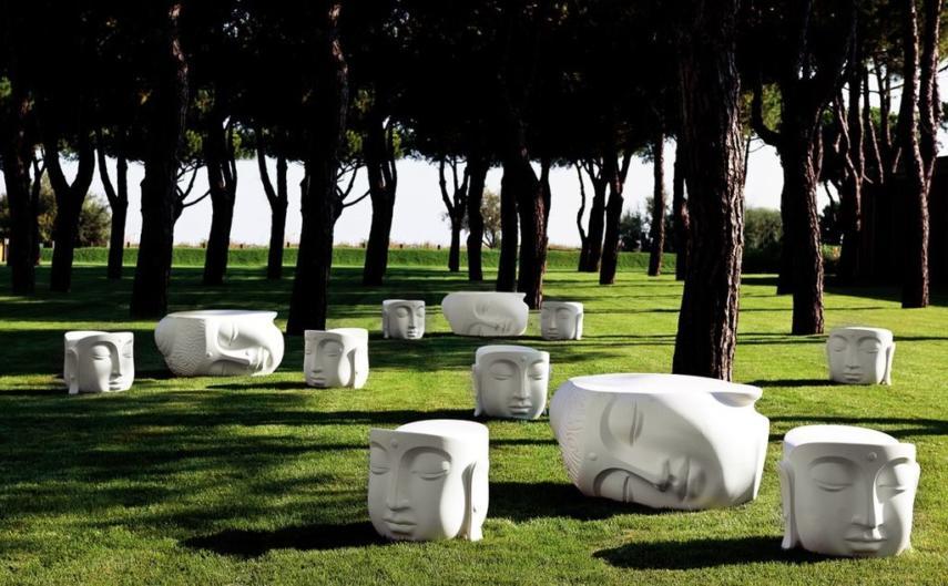 Buddha head seats benches