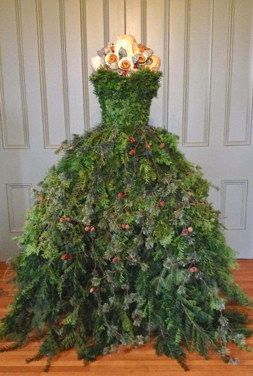 Christmas Tree Mannequin Dress.Diy Mannequin Christmas Tree 9 Dress Form Tutorials Free