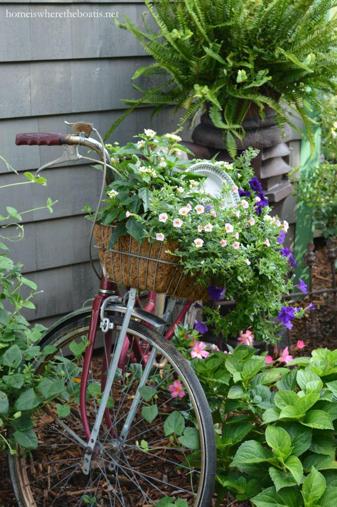 Bicycle planter container idea for the garden
