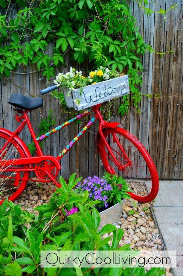 Decorate your front gate with a bike planter in Bohemian style