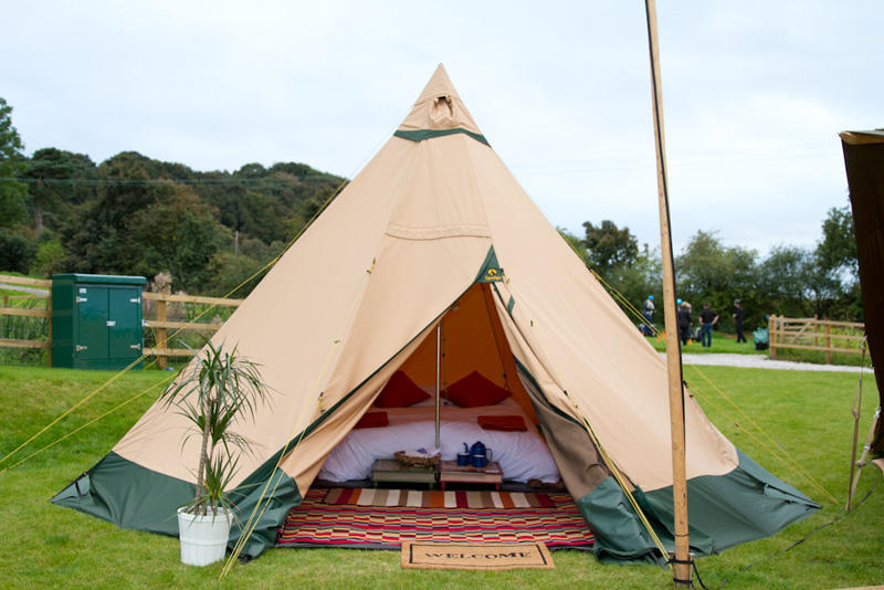 A mini tipi for your backyard!