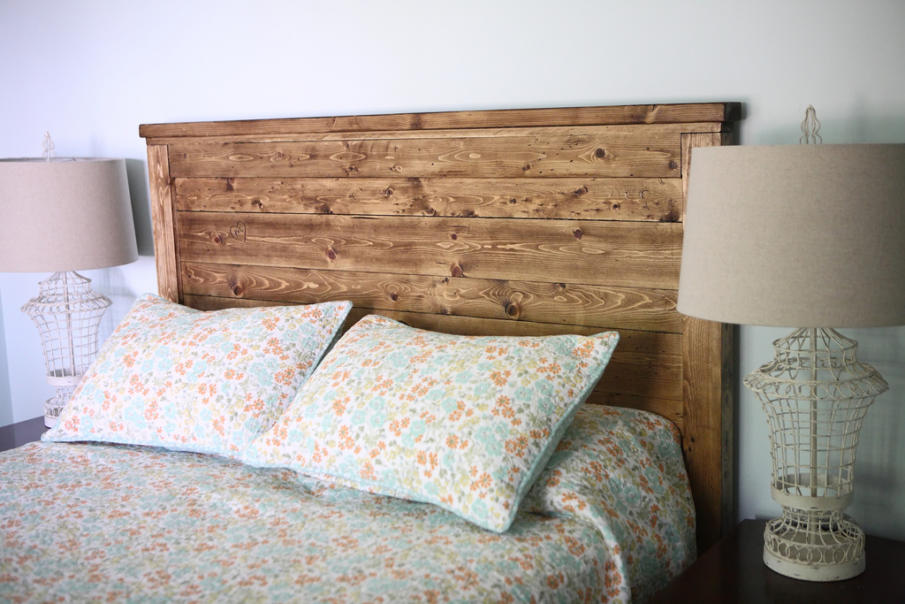 Anna White created this DIY planked wood headboard tutorial