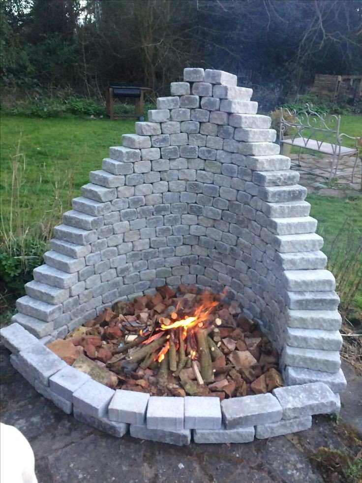 Amazing DIY pyramid fire pit idea