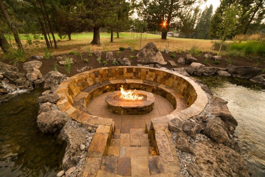 Amazing sunken fire pit setting with round design