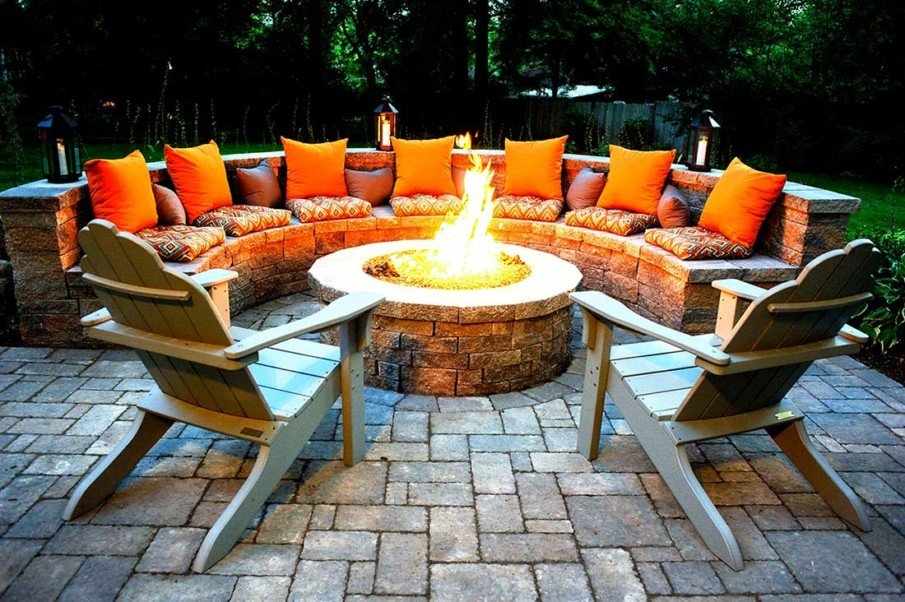 Brick circular fire pit area design