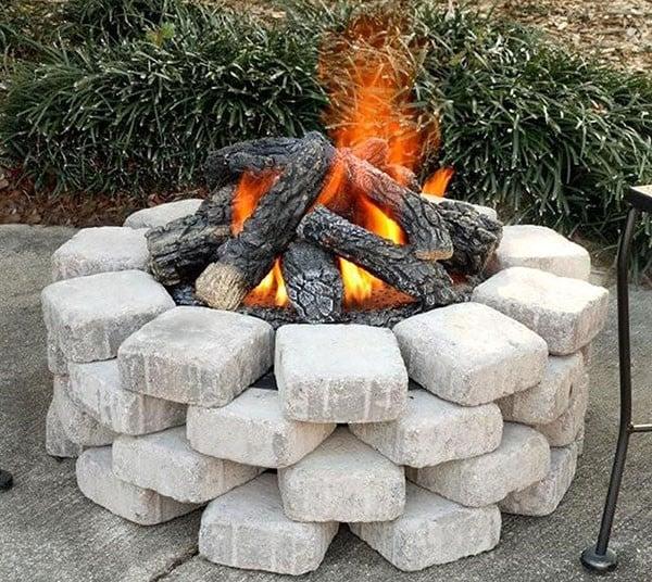 Cheap DIY paver stone fire pit idea