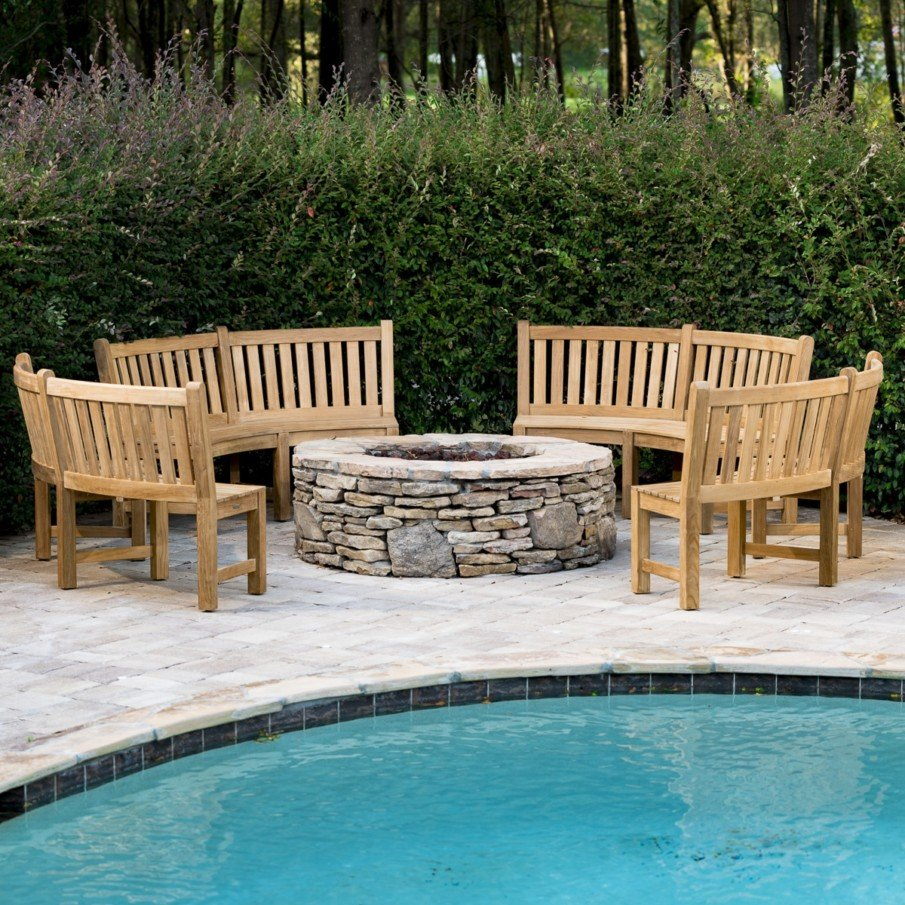 Circular benches around fire pit idea