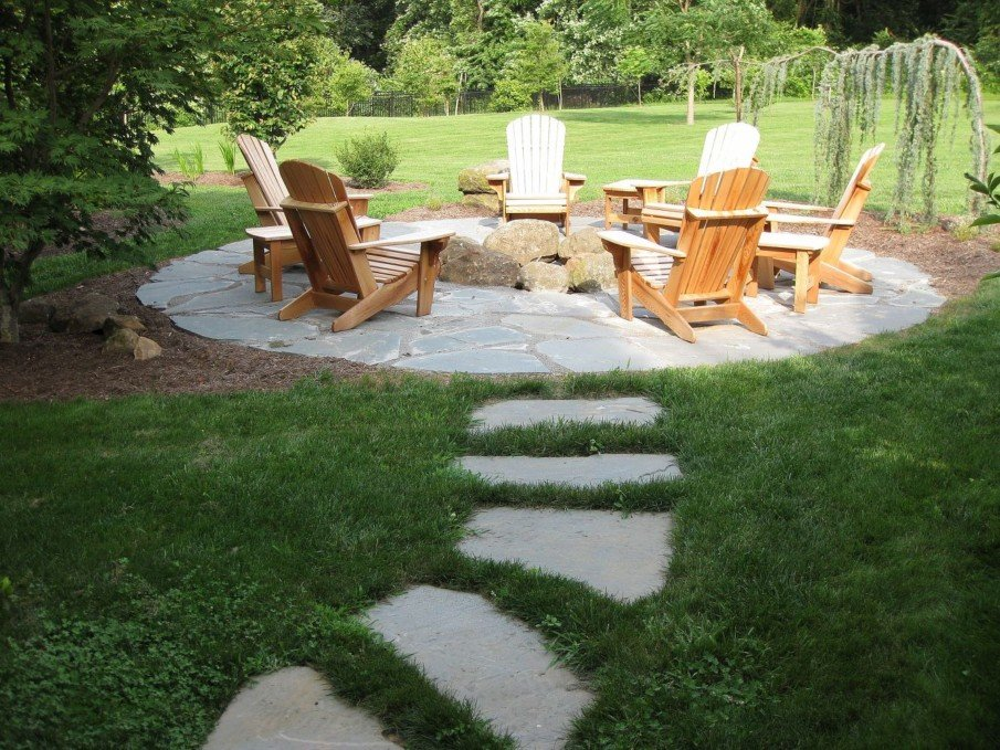 Circular flagstone patio ideas