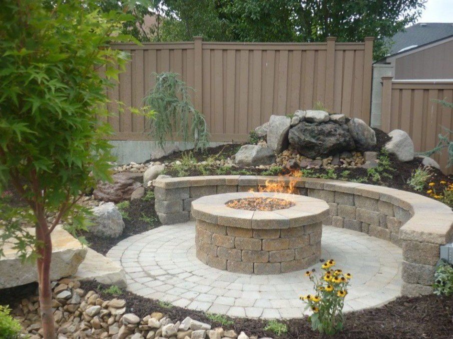 Circular stone fire pit seating kit