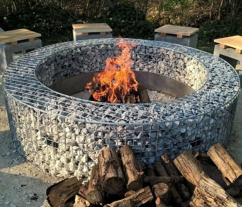 Circular welded wire fire pit cage idea