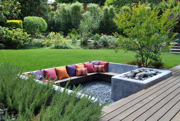 Cool concrete sunken seating with attached firepit
