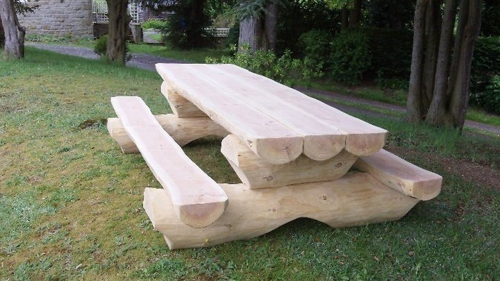 Creative outdoor log picnic table idea
