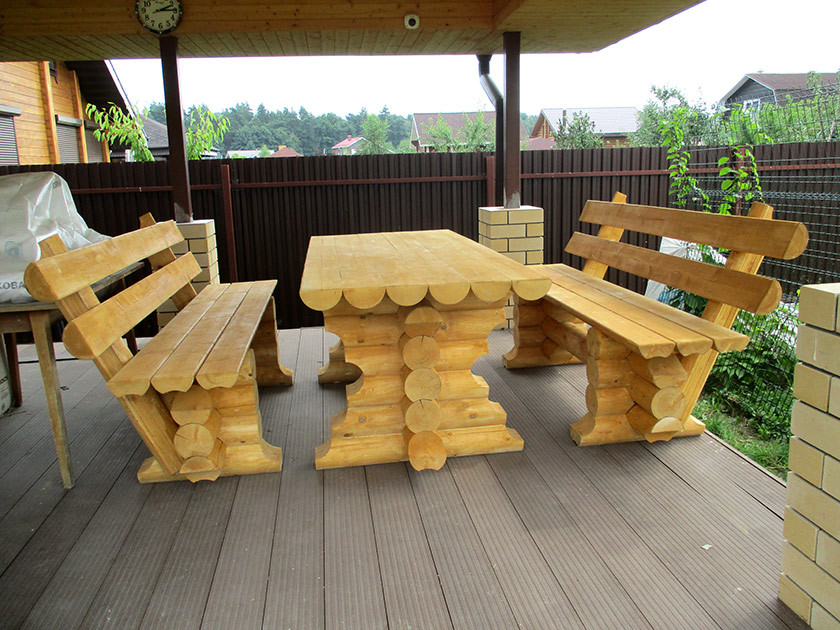 Creative picnic table with benches design