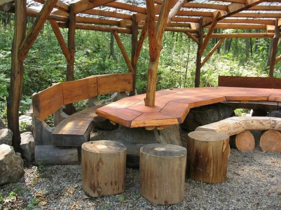 Creative seating under pergola design