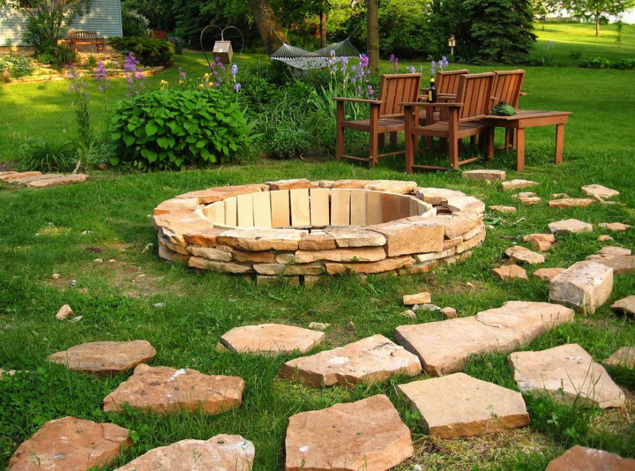 Flagstone and brick fire pit ideas