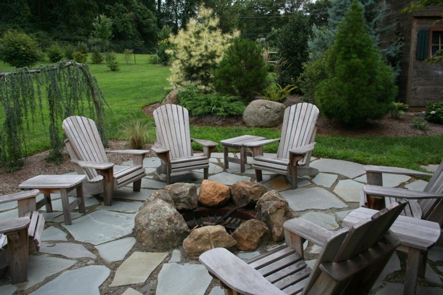 Flagstone patio ideas with fire pit for a cottage