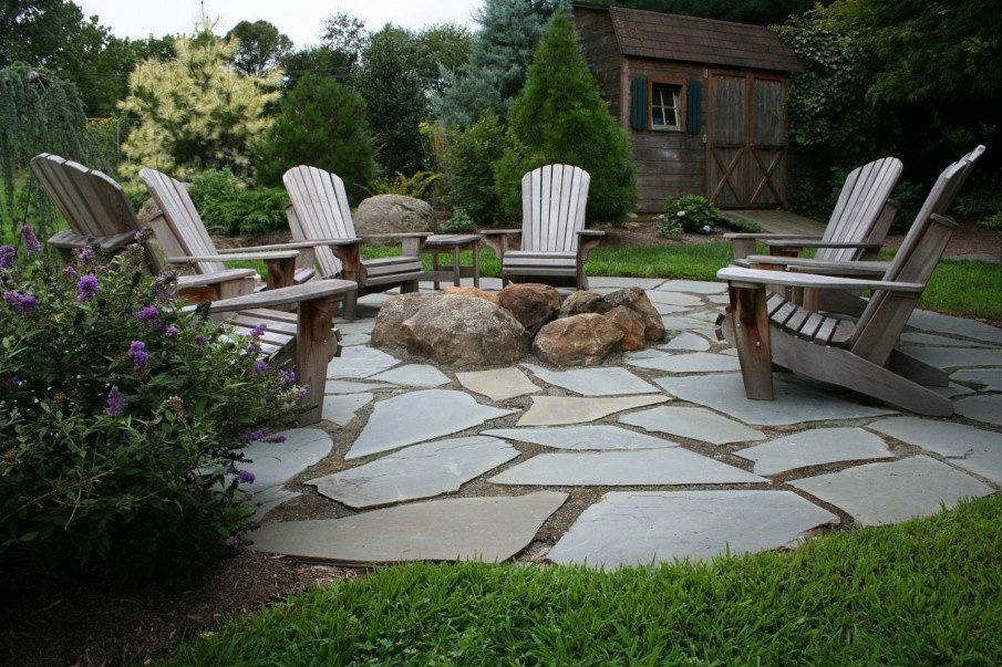 Flagstone patio ideas with fire pit