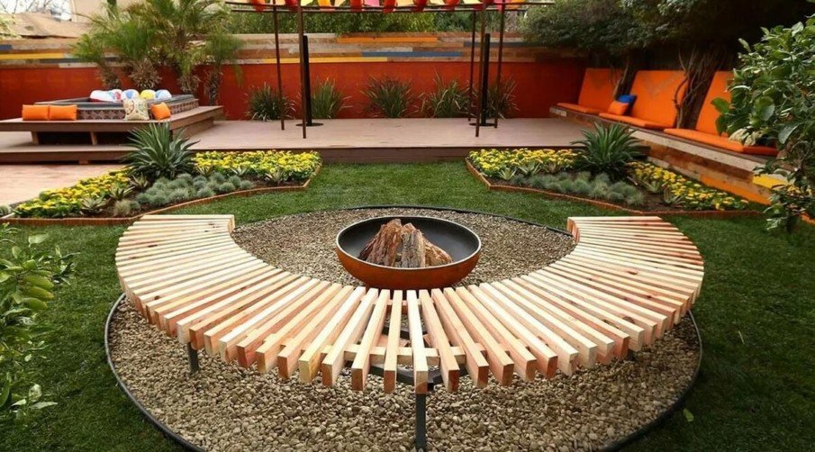 Round fire pit seating area idea