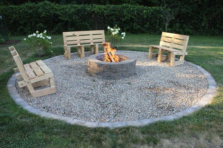 Simple DIY wooden pallets seating around fire pit